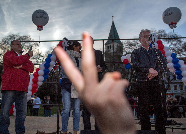 Protest proti novej vláde na námestí SNP. Foto N – Tomáš Benedikovič