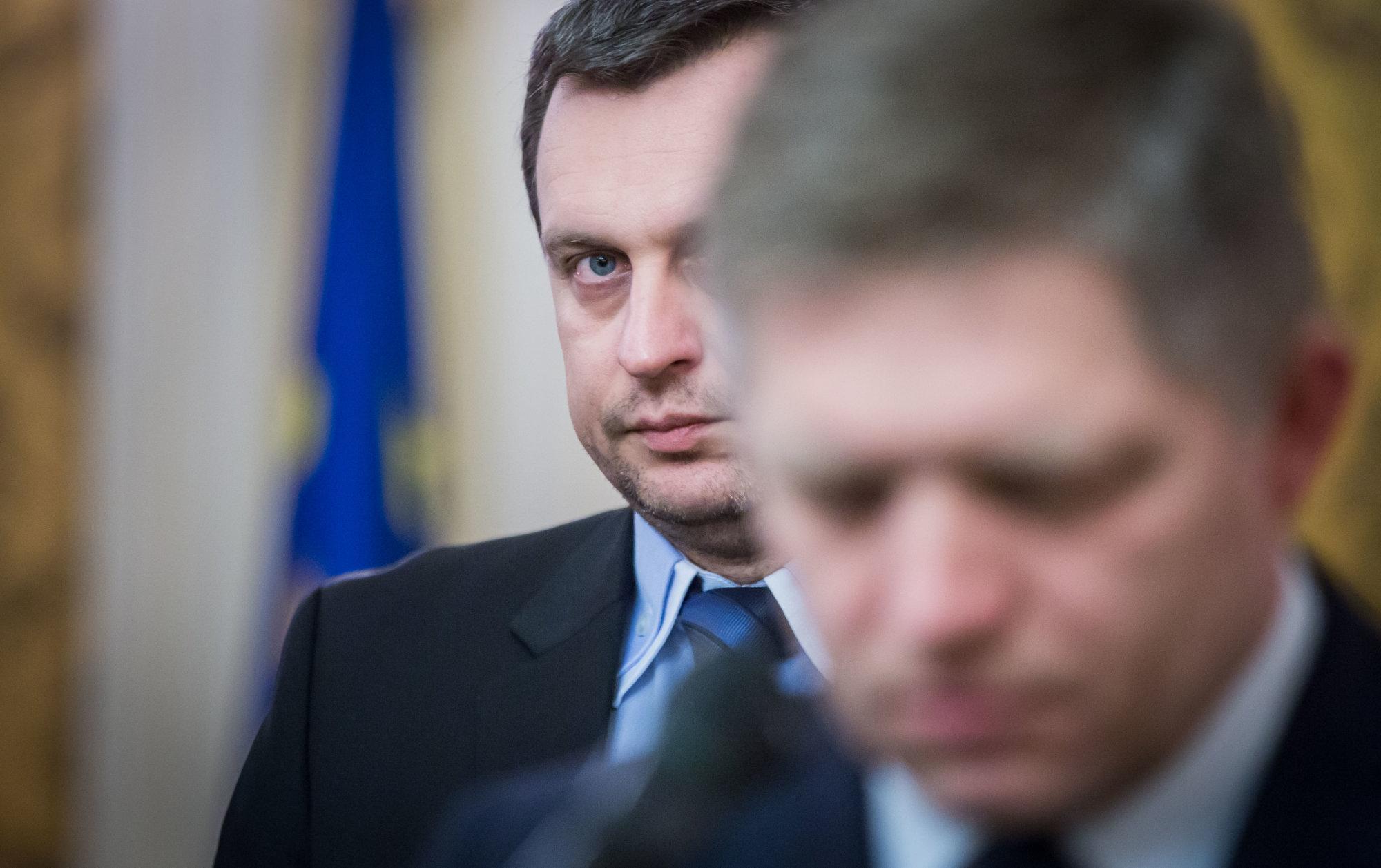 Newsfilter: Ak Fica napokon vymenuje Danko, bude to ako Mečiarove amnestie – Denník N