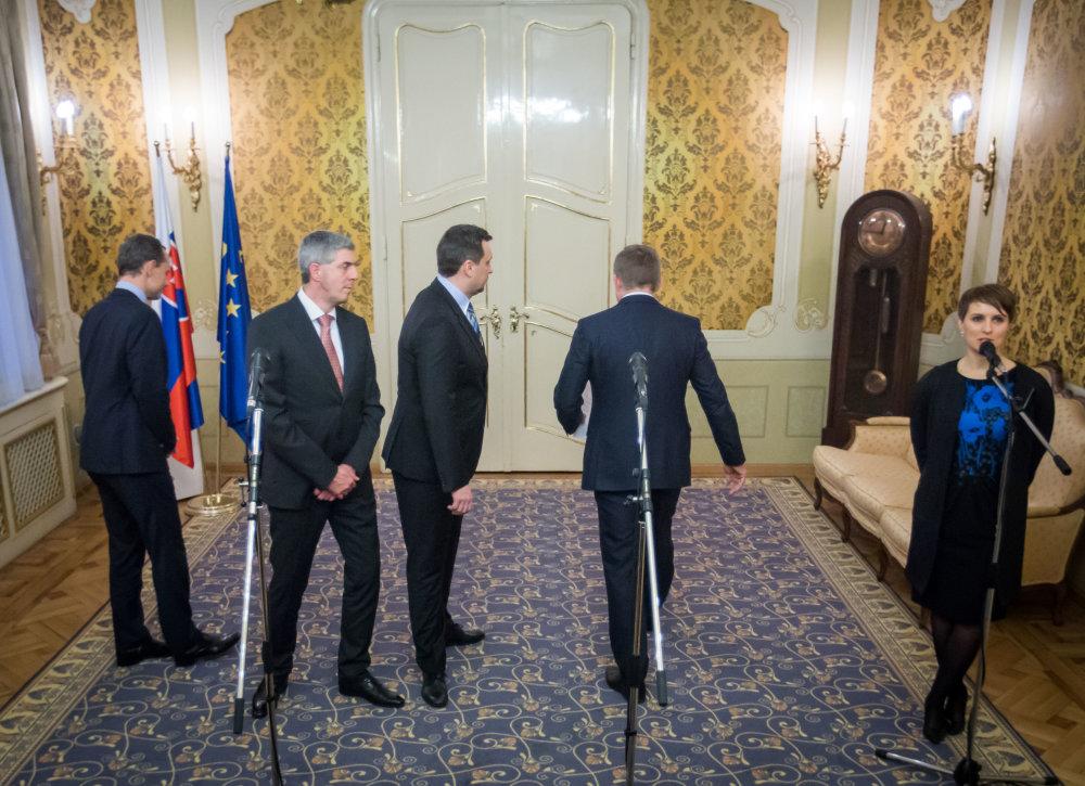 Nová vládna zostava. foto N - Tomáš Benedikovič