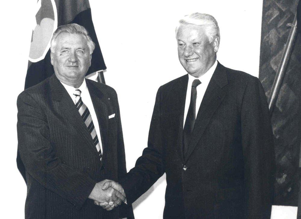 V augusta 1993 sa stretol s ruským prezidentom Borisom Jeľcinom. foto - TASR