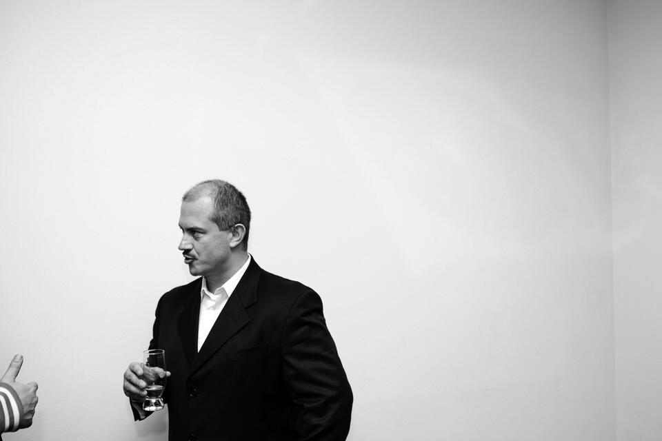 Marian Kotleba v rozhovore po prvej oficiálnej tlačovej besede po jeho postupe do 2. kola volieb za župana BBSK. Banská Bystrica, 2013. Foto - Ján Viazanička
