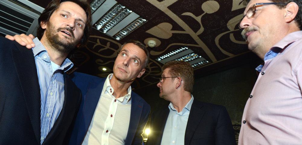Košičania Richard Rašši, Peter ŽŽiga a Pavol Pašška, vpravo Bratislavčan Kaliňák. foto - TASR