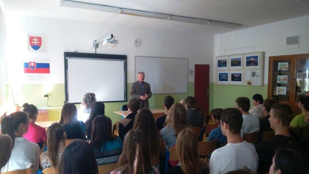 Svajtoslav Rybas a jedna z jeho prednášok na Slovensku. Foto - Ruské veľvyslanectvo v Bratislave
