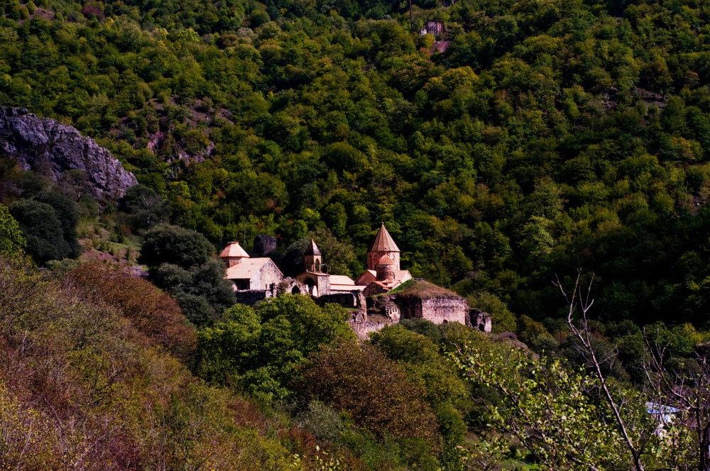 Kláštorný komplex Dadivank – jeden z pilierov arménskej histórie na území dnešného Karabachu. FOTO - MICHAL POLJAK