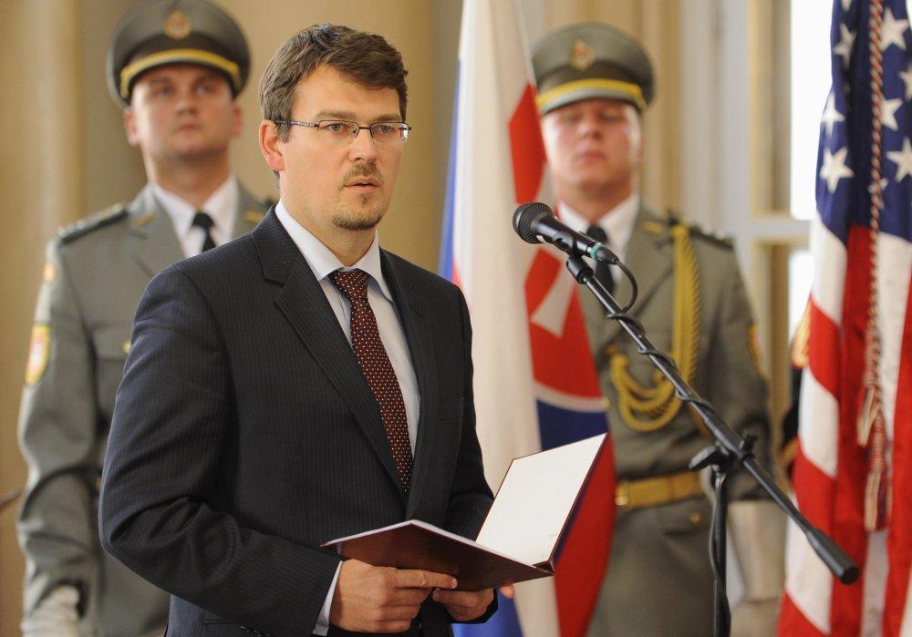 Bývalý štátny tajomník Róbert Ondrejcsák patrí dnes k najznámejším bezpečnostným expertom na Slovensku. Foto - TASR