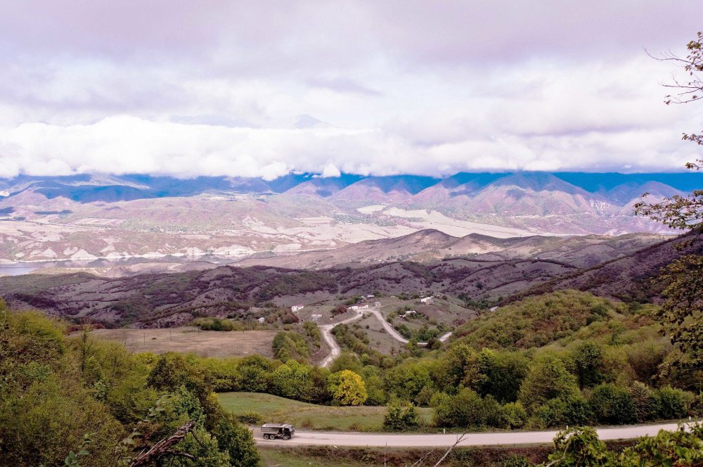 Krajina na severe Náhorného Karabachu. Pohľad na oblasť Chaylu. FOTO - MICHAL POLJAK
