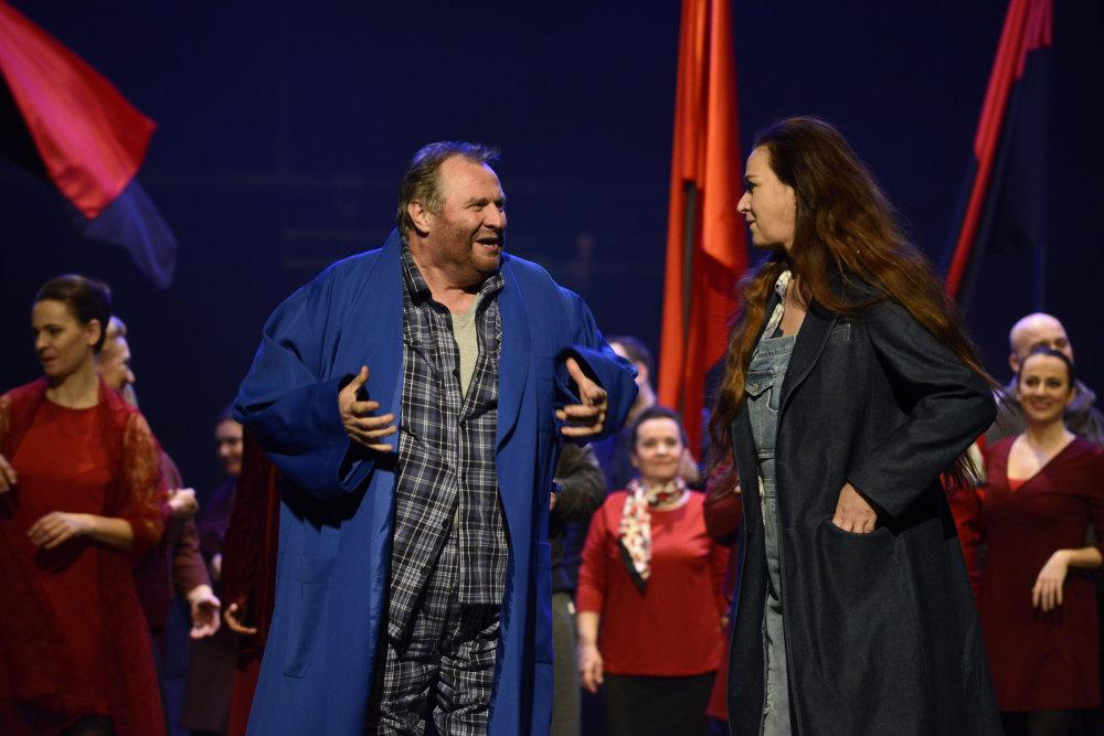 Jan Vacik (Florestan), Maida Hundeling (Leonore). Foto – Pavol Breier