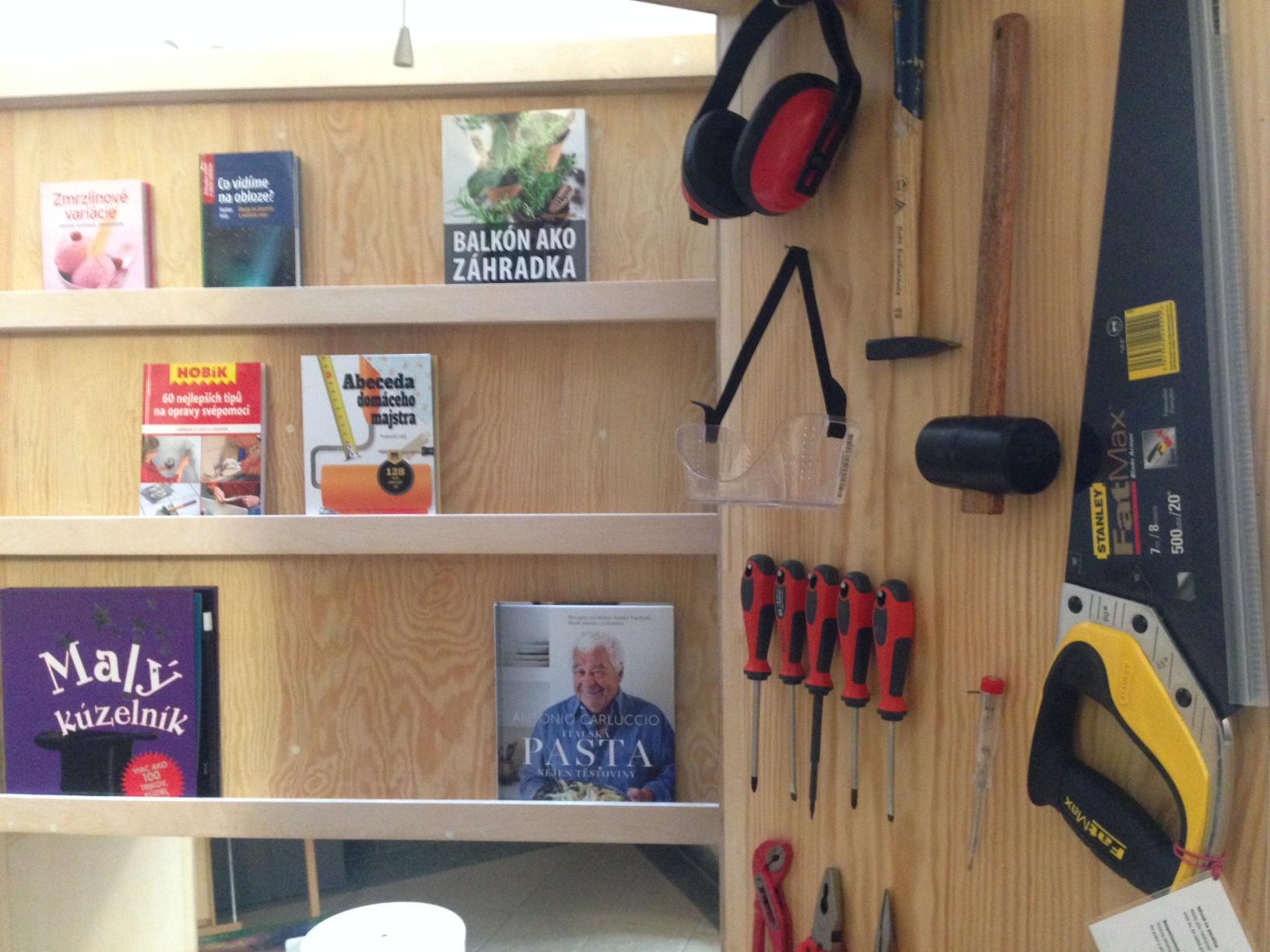 Knižnica požičia knihy aj náradie. Foto - Goetheho inštitút