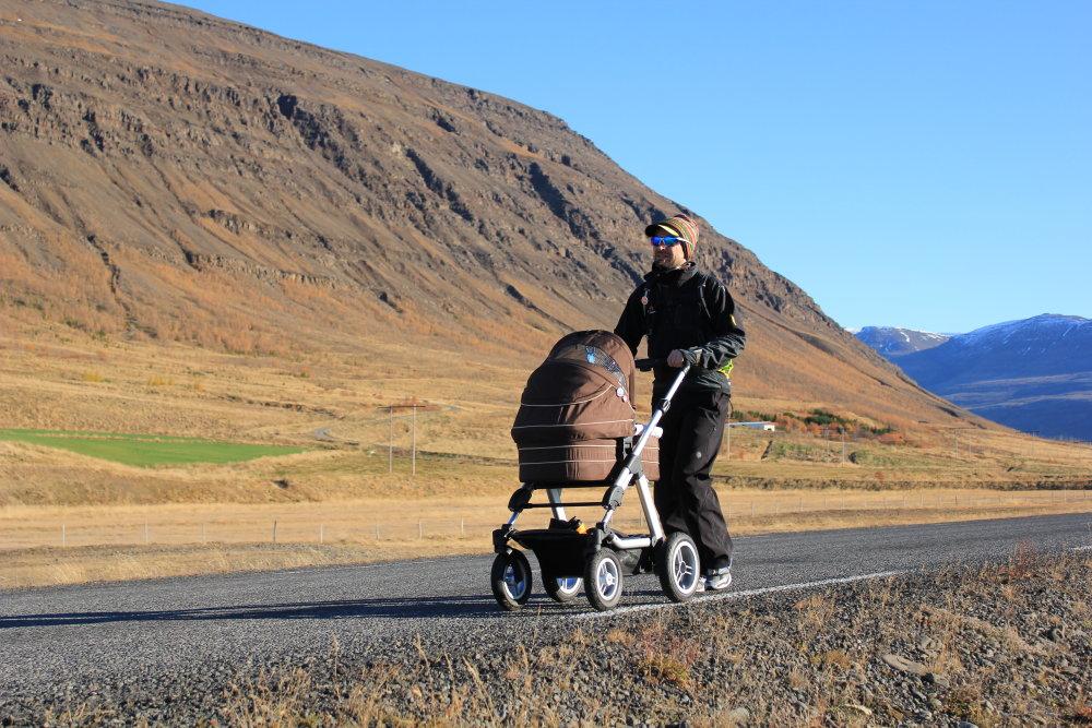 Počas behu na Islande stíhal René plniť aj otcovské povinnosti. Foto - archív Reného Kujana