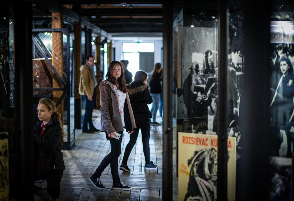 Žiaci na exkurzii v Múzeu holokaustu v Seredi. Foto N - Tomáš Benedikovič