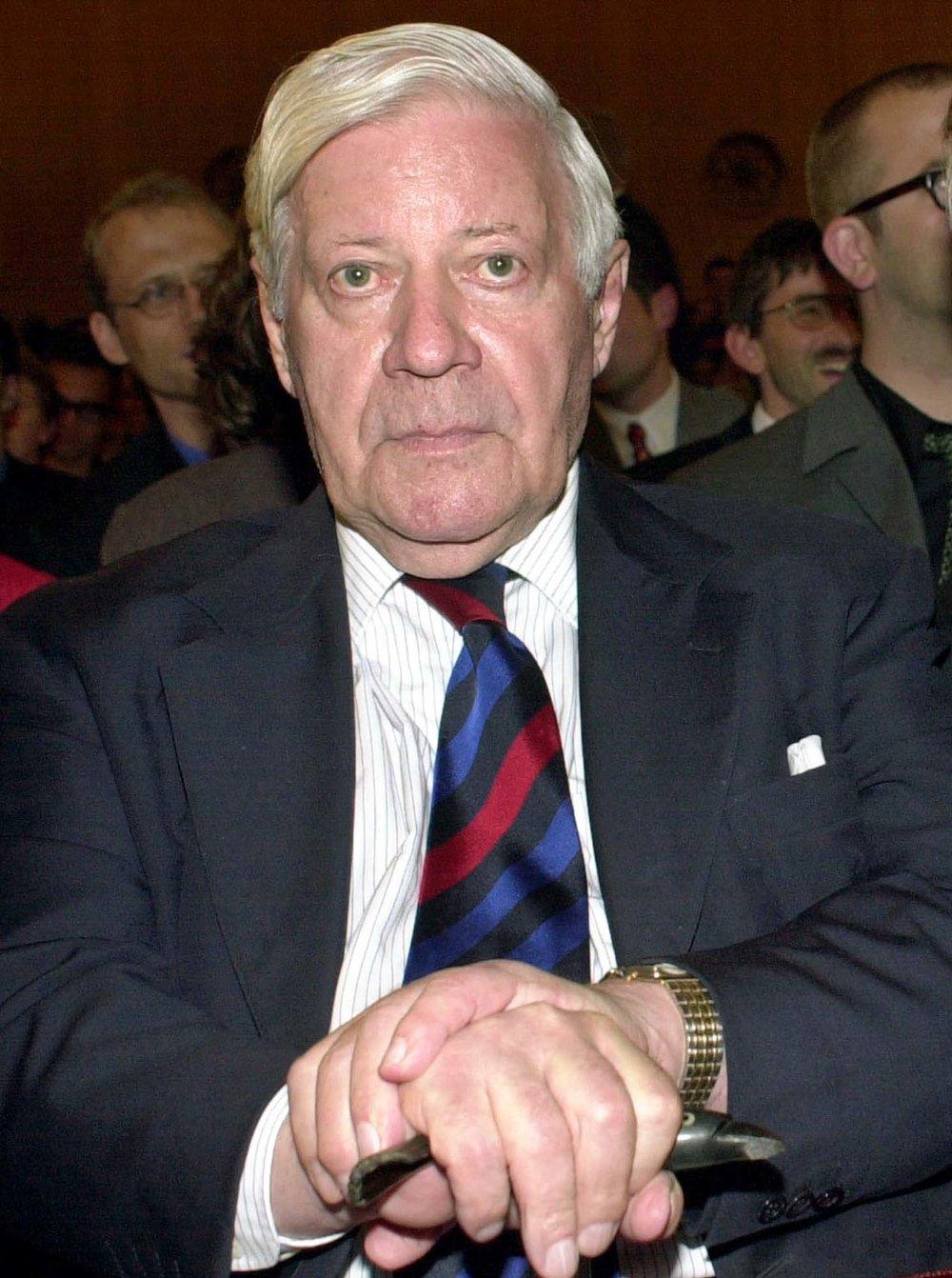 Helmut Schmidt v roku 2000. Foto – TASR/AP