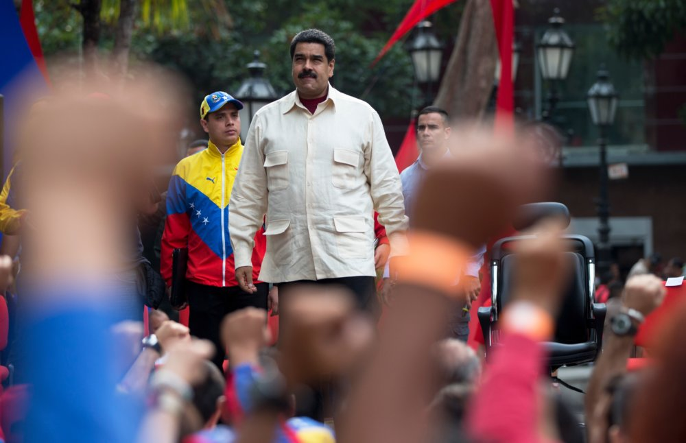 Venezuelský prezident Nicolas Maduro sa drží moci, jeho krajina prudko upadá. FOTO - AP