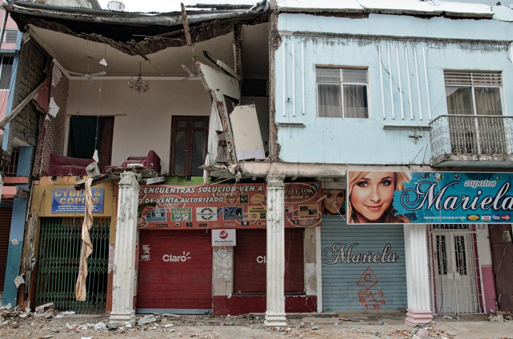 Pri zemetrasení v Ekvádore najviac utrpeli rodiny drobných živnostníkov. Foto - Tomáš Forró