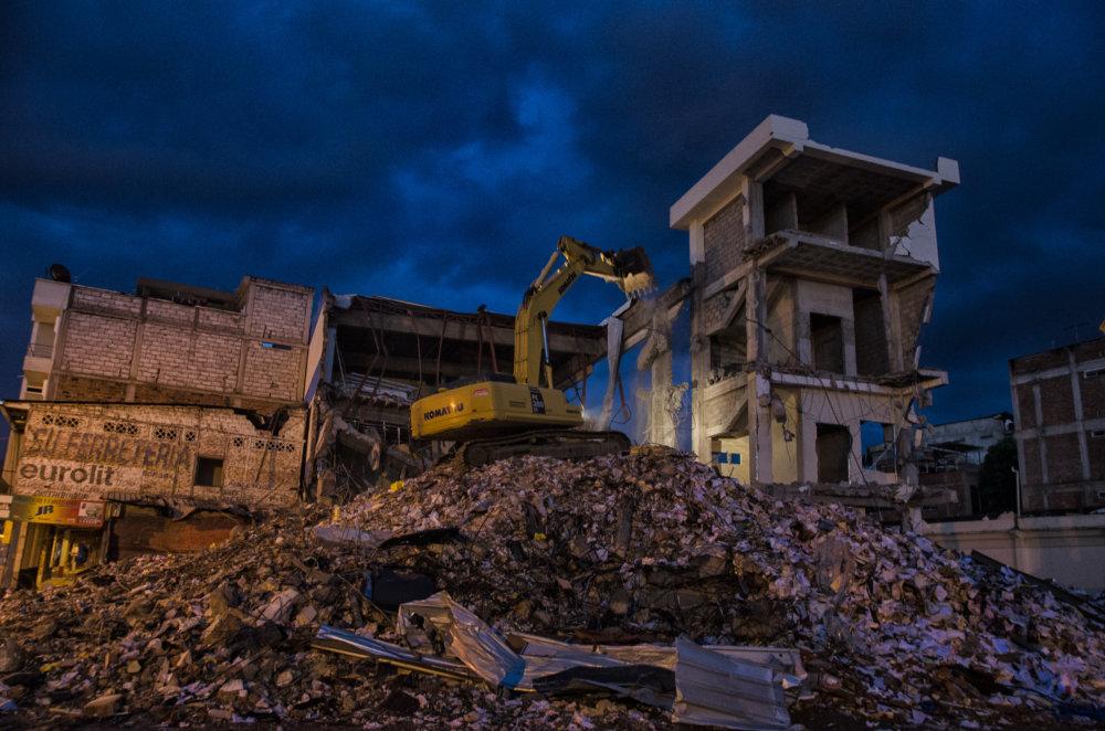 Nočná zmena v Zóne nula, Portoviejo. Foto - Tomáš Forró