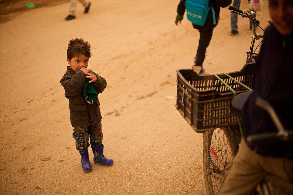 Deti sa v táboroch rodia denne. Niektoré ženy nepožiadajú ani o pomoc miestnych lekárov. Foto - Denis Bossnić