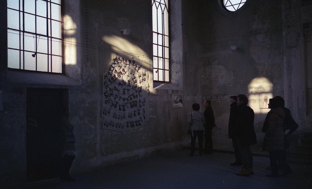 Priestor synagógy má špecifickú atmosféru a v koncepcii galérie ponúka výnimočné zážitky. Foto - Ester Šabíková
