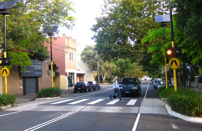 Meniť pohľad na naše ulice, kedy na priechode vstupuje auto do priestoru chodcov a nie naopak. Foto: marrickvillegreens.files.wordpress.com