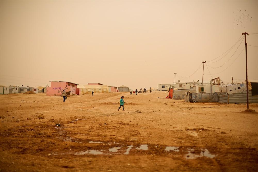 Zaatari je jedným z najväčších táborov na svete s kolísavým počtom ľudí medzi 60 000 a 120 000 obyvateľov. (Foto: Denis Bosnić)