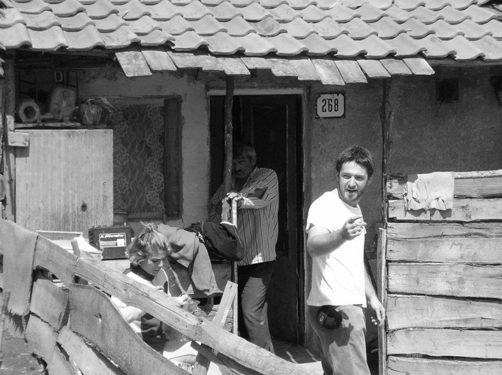 Andrej Belák v osade. foto – archív