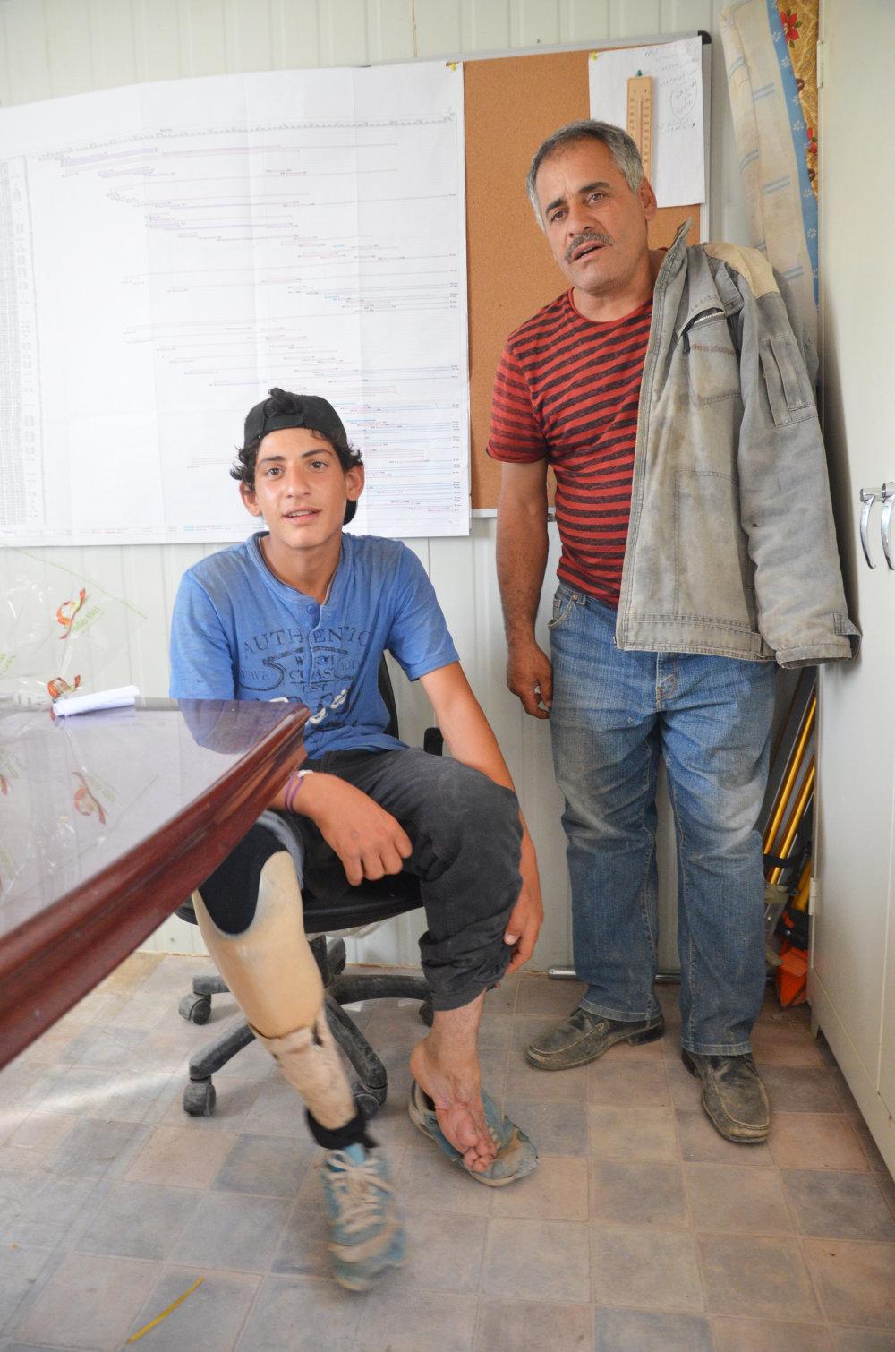 Faríz nosí protézu od kedy ho trafila bomba režimu Bašara Asada. FOTO - MIREK TÓDA