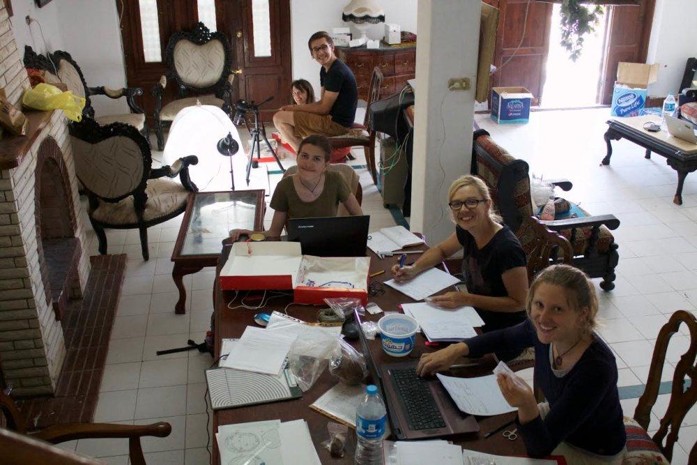 Dokončovanie dokumentácie. Foto - Nadácia Aigyptos
