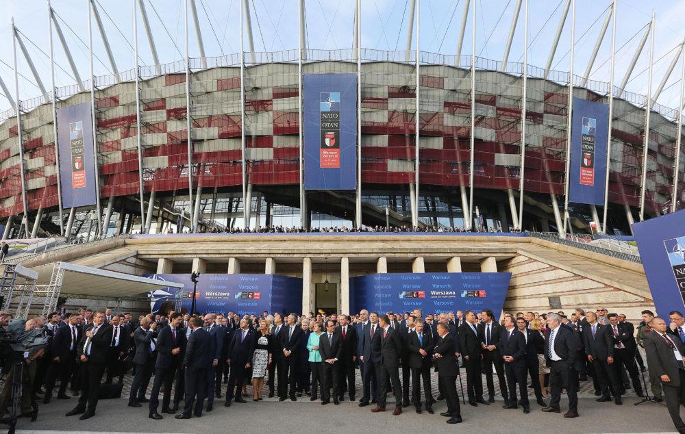Prvý samit NATO v Poľsku sa uskutočnil na futbalovom štadióne vo Varšave. Foto - tasr/ap