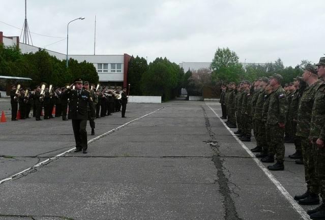 Kasárne Vajnory v roku 2012, v súčasnosti už tu pôsobí len pár vojakov, ktorí celý areál strážia. Foto - MOSR