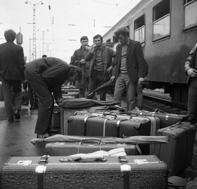 Doba bez tašiek na kolieskach (1970)