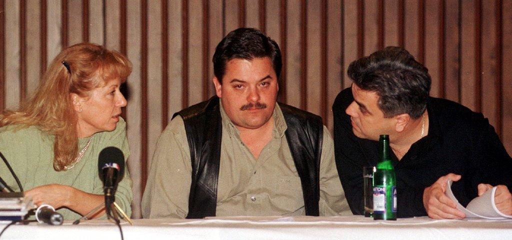 Marian Kočner v strede) v roku 1998 v TV Markíza. Foto - TASR
