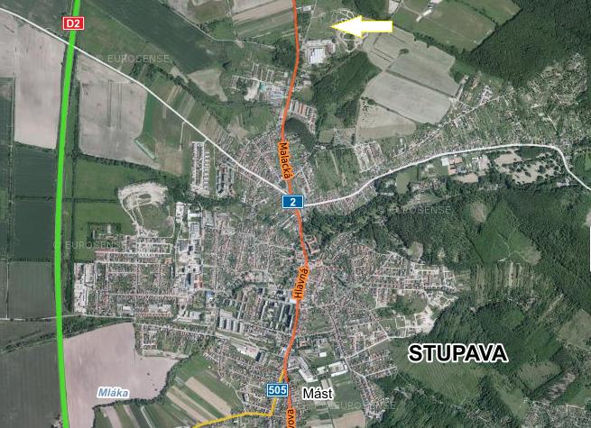 Novú obytnú štvrť budujú na severe Stupavy pri ulici Malacká, ktorá je už teraz preťažená tisícmi áut presúvajúcich sa každý deň do Bratislavy a späť. Mapa - Seznam.cz