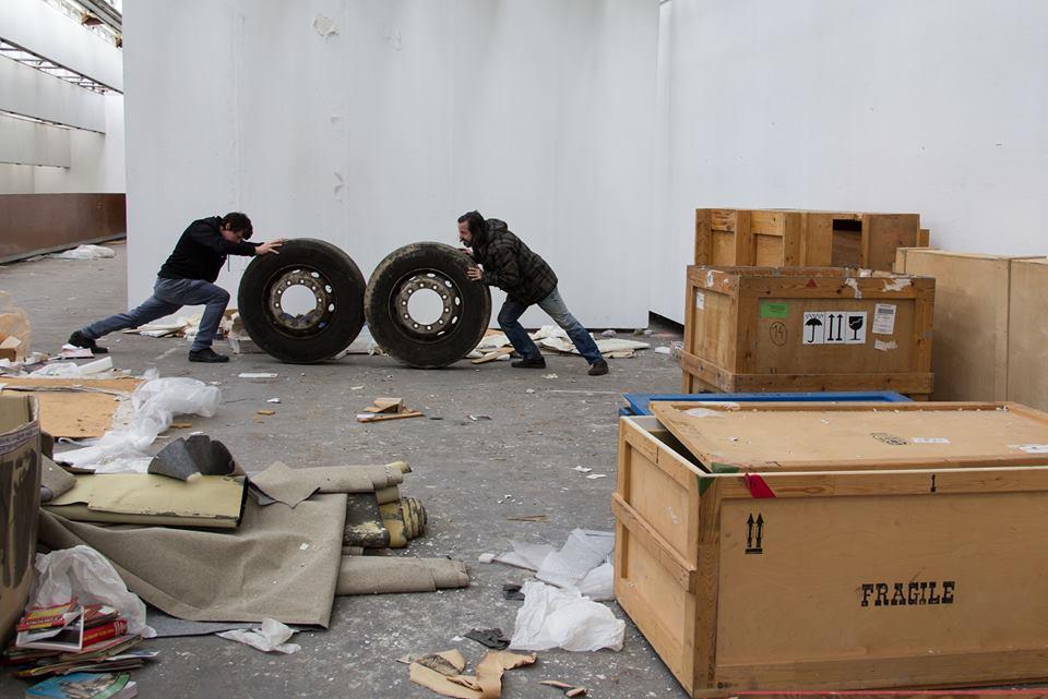 Martin Kochan a Cyril Blažo v priestoroch SNG krátko pred uzatvorením a rekonštrukciou.