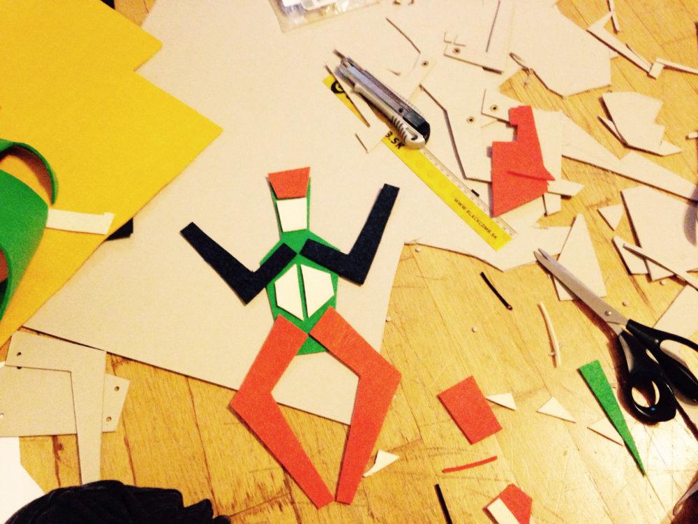 Materiál na výrobu 2D hračiek od Niny Šoškovej je už pripravený. Foto - Archív NŠ