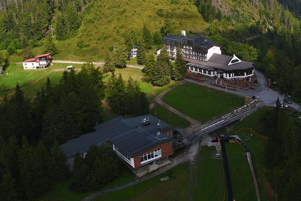 Horský hotel na Hrebienku tento rok predala odborárska firma Sorea skupine J&T, ďalšie hotely si zatiaľ ponecháva. Foto - TASR