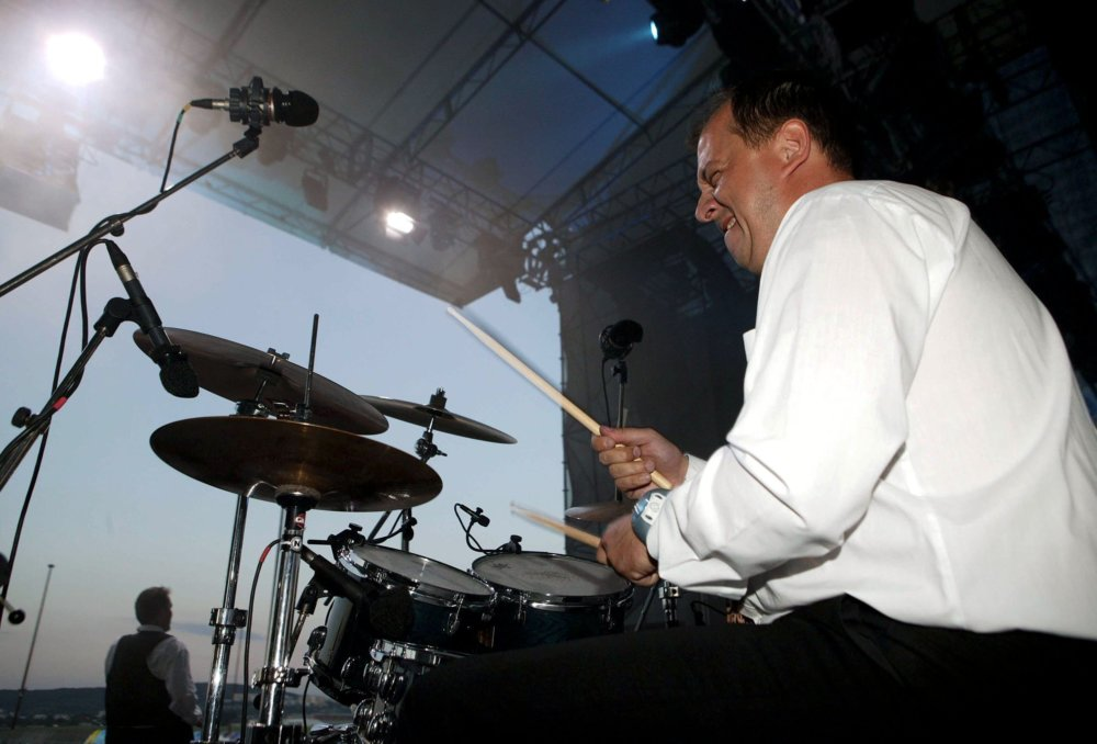 Richard Rybníček ako bubeník Bez ladu a skladu na Pohode. foto - TASR