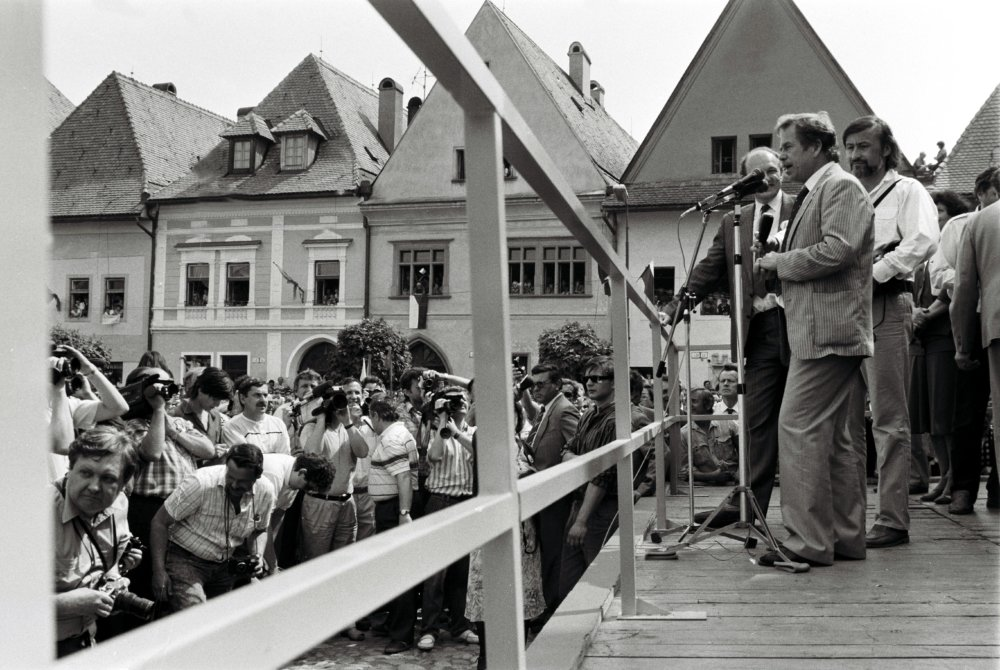 Václav Havel v Bardejove v roku 1990. Foto - TASR