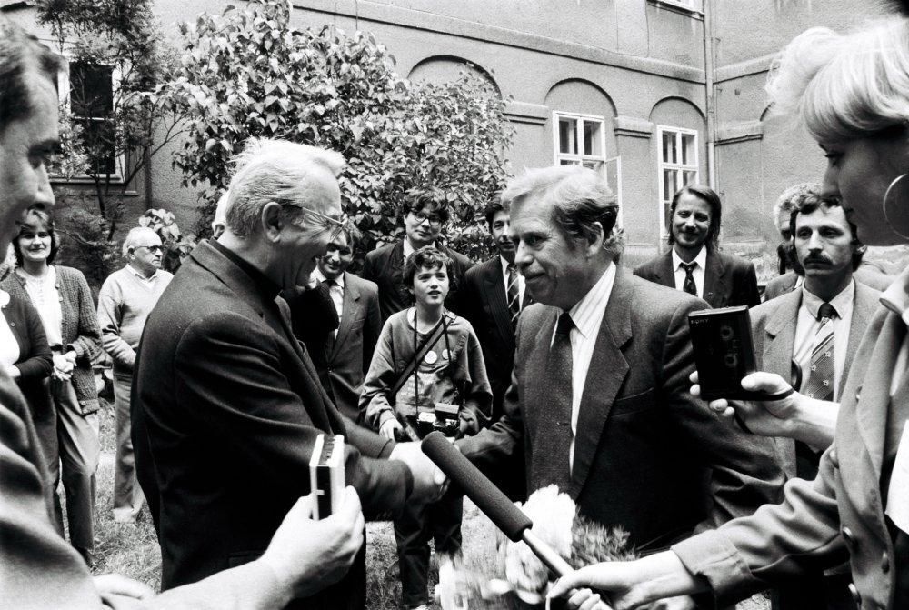 Václav Havel s kardinálom Korcom v Nitre, jún 1990. Foto - TASR