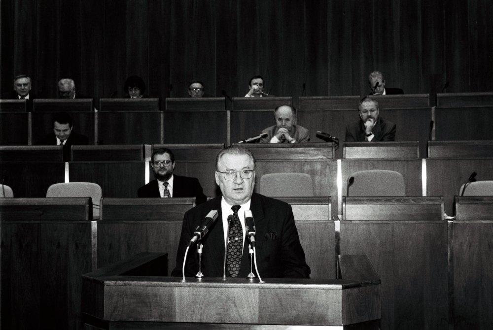 Michal Kováč v Národnej rade v roku 1996. foto -TASR