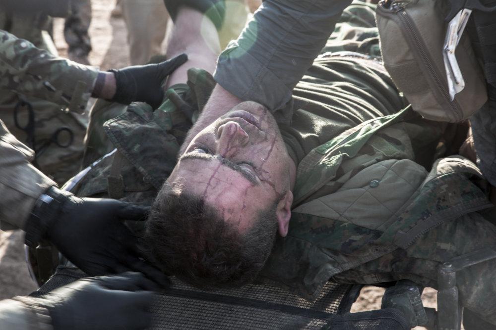Zranený vojak. FOTO - JURAJ MRAVEC