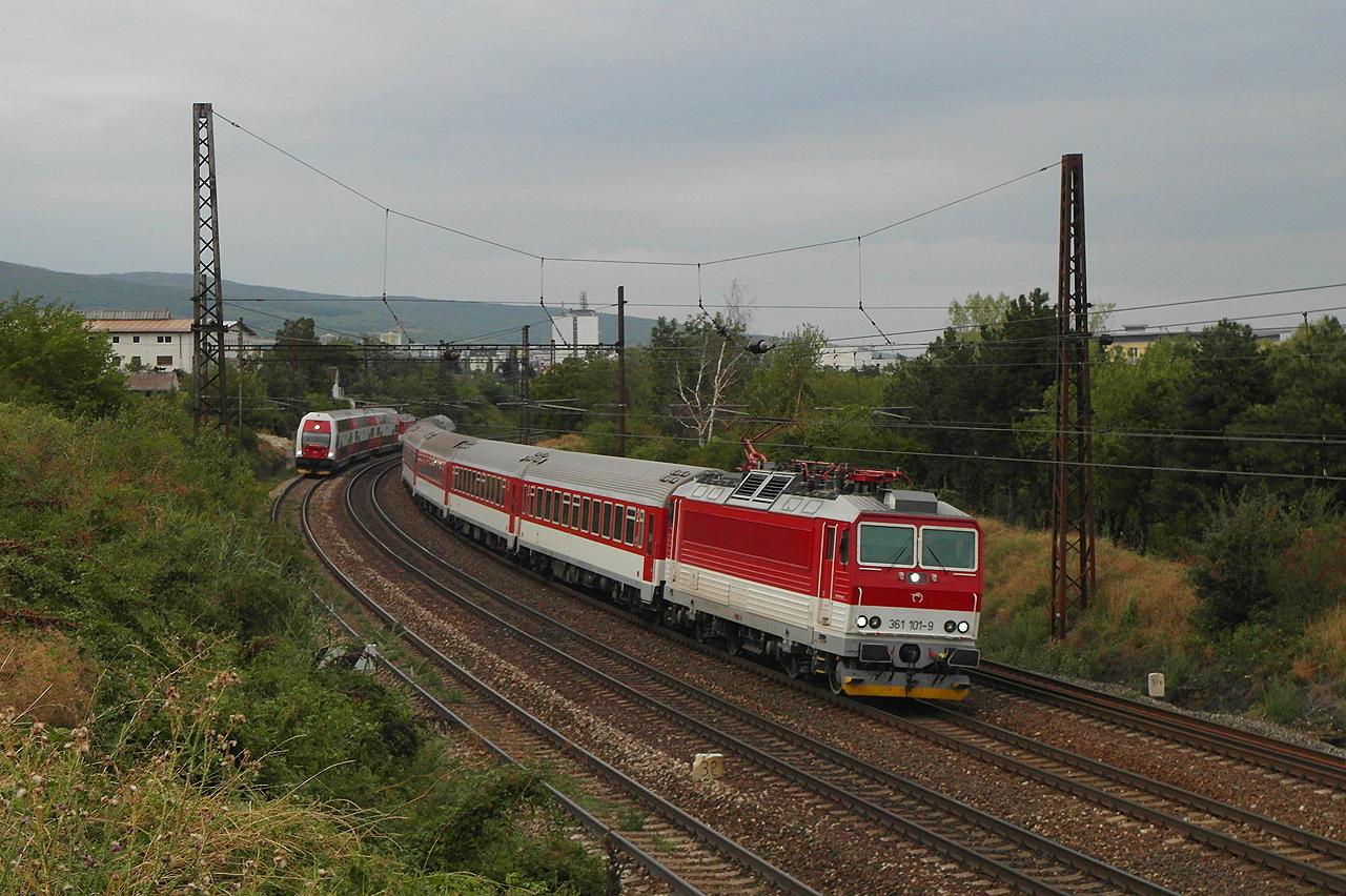 Účet za vlaky zadarmo je pravdepodobne 2x tak veľký oproti tomu, čo sa pôvodne predpokladalo - foto: Nino BELOVIČ