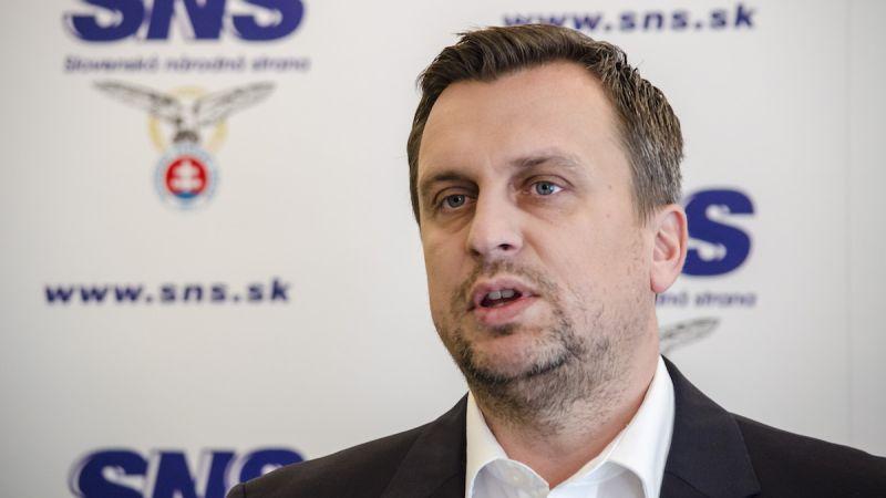 Andrej DANKO (SNS) vedome tlačí ZSSK do istej straty. Netají sa tým, že chce, aby RegioJet odišiel - foto: TASR