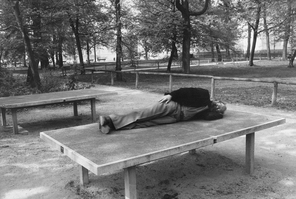 Július Koller Mníchovská kultúrna situácia (U.F.O.), 1991, Foto - Courtesy Květoslava Fulierová