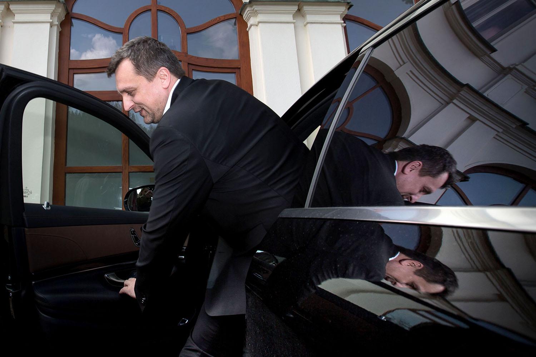 17. 3. 2016, Bratislava. Andrej Danko prichádza na Úrad vlády, kde prebiehali rokovania o novej koalícii. Foto N - Tomáš Benedikovič