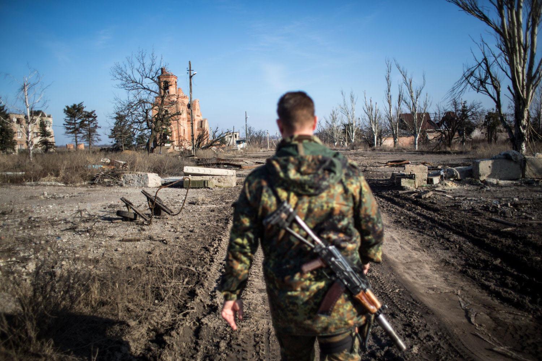 3.3. 2016, Ukrajina. Vonku počuť výbuchy z jednej aj druhej strany. Ukrajinskí vojaci v Piskoch sa ostreľujú s proruskými separatistami na blízkom Doneckom letisku. Foto N - Vladimír Šimíček