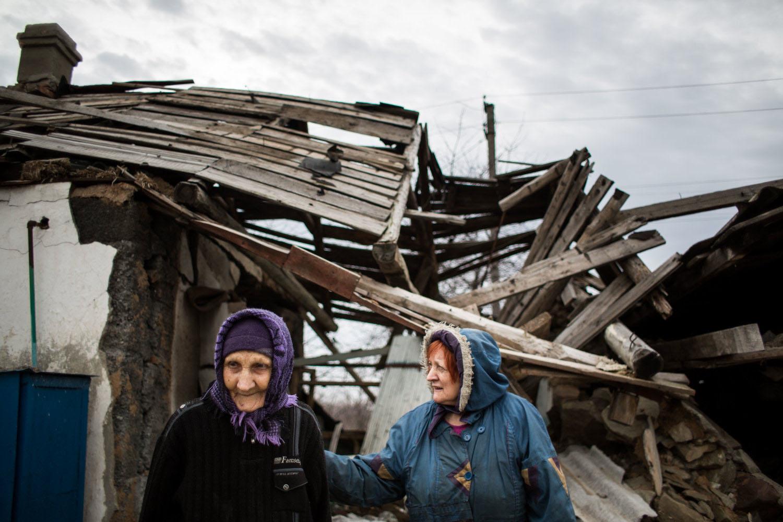 3.3. 2016, Luhanskoje, Ukrajina. Jevdokia z dediny Luhanskoje má 90 rokov, je v dobrej forme aj po tom ako jej dom zasiahla strela. Foto N - Vladimír Šimíček