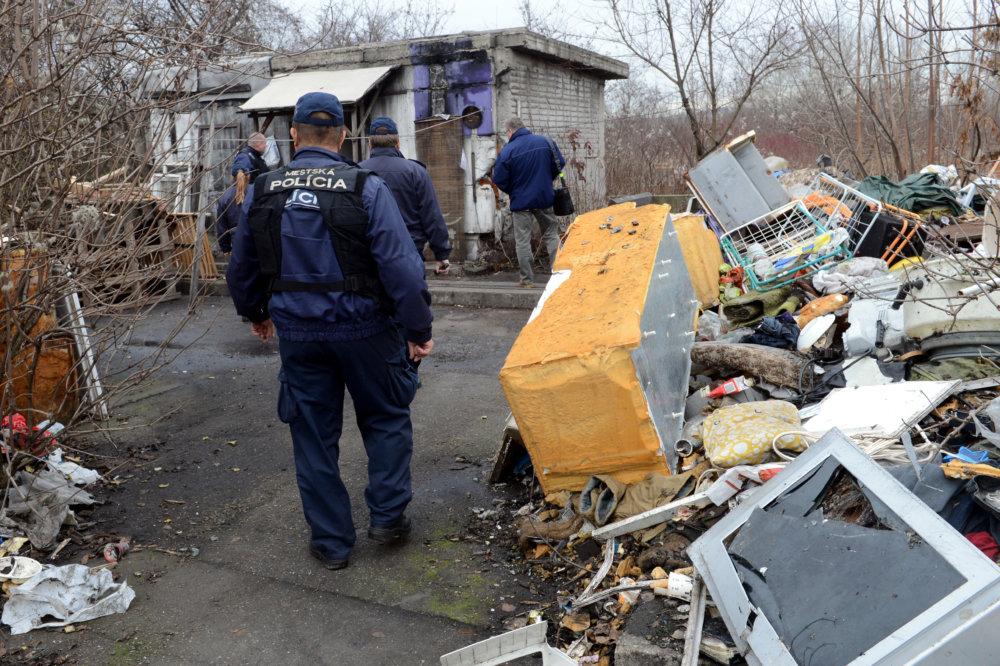 Ľudia bez domova bývajú vo veľmi zlých podmienkach. Ilustračné foto - TASR