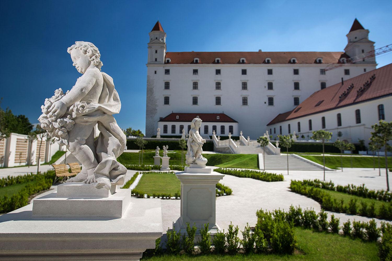 23. 6. 2016, Bratislava. Baroková záhrada na Bratislavskom hrade je sprístupnená verejnosti. Foto N - Tomáš Benedikovič