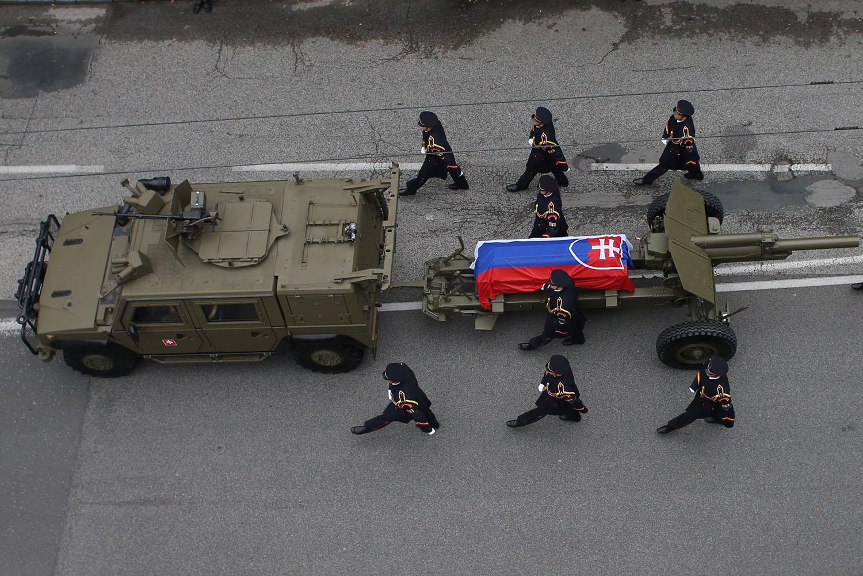 13. 10. 2016, Bratislava. Štátny pohreb Michala Kováča. Foto N - Vladimír Šimíček
