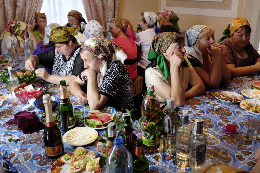 Na východe Ukrajiny hľadala autentické pesničky, nie naučený oficiálny folklór. Foto - Lucia Nimcová