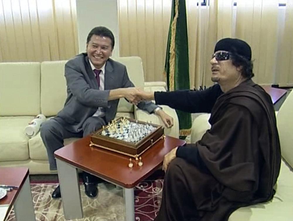 Šéf šachovej federácie si zahral v roku 2011 aj s líbyjským diktátorom Kaddáfím. foto - TASR/AP