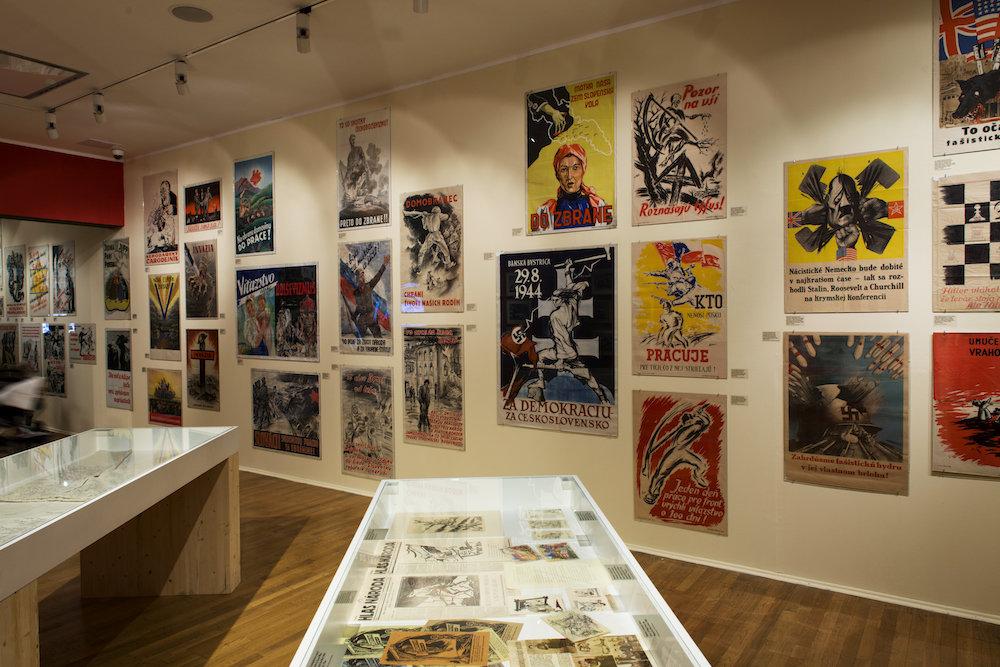 O vizuál výstavy sa postarali Boris Meluš a Martin Šichman (oximoron). Súčasťou výstavy je sprievodný katalóg aj webová stránka. Foto - Martin Deko